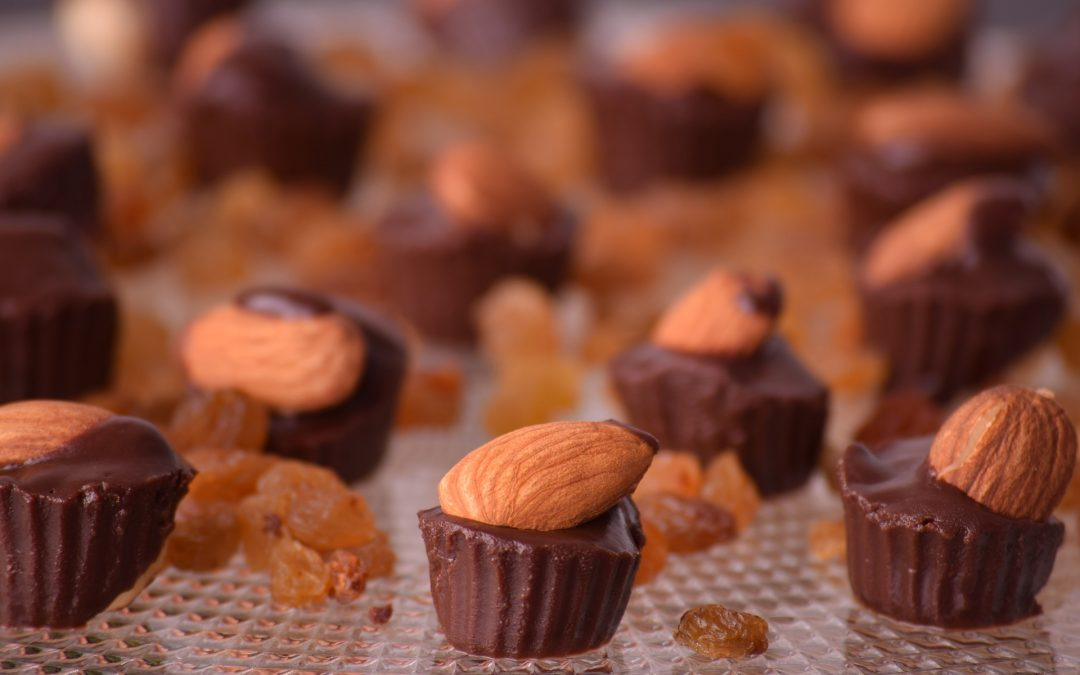 raw chocolate-almond cups